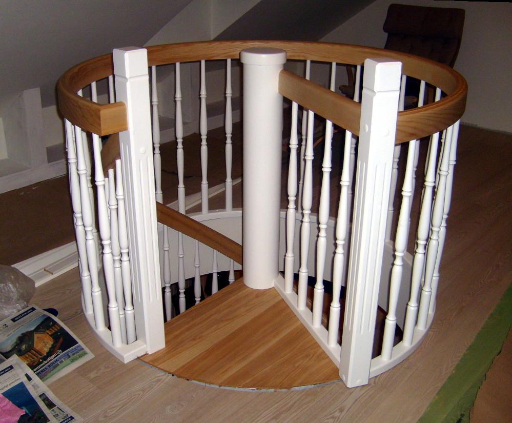 Spindeltrappe eller vindeltrappe til indendørs indvendig brug