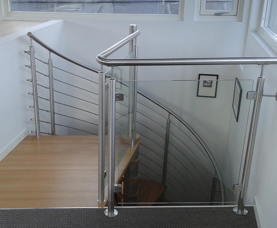 Spindeltrappe eller vindeltrappe til indendørs - indvendig brug